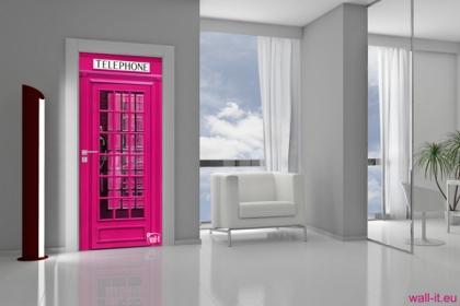 naklejka na drzwi angielksa budka telefoniczna rozowa